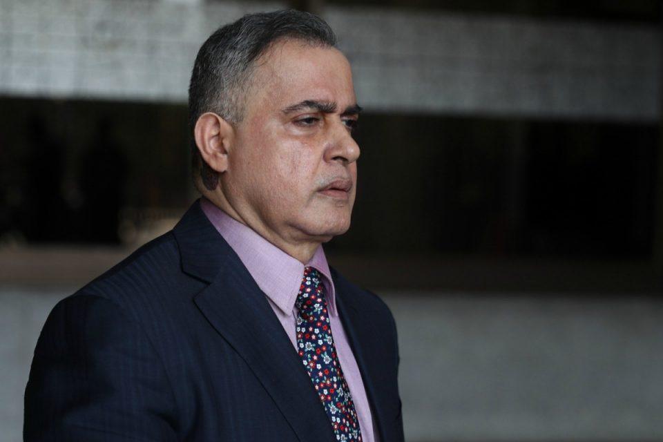 el-fiscal-general-chavista-defiende-a-alex-saab-mientras-es-señalado-por-crimenes-de-lesa-humanidad
