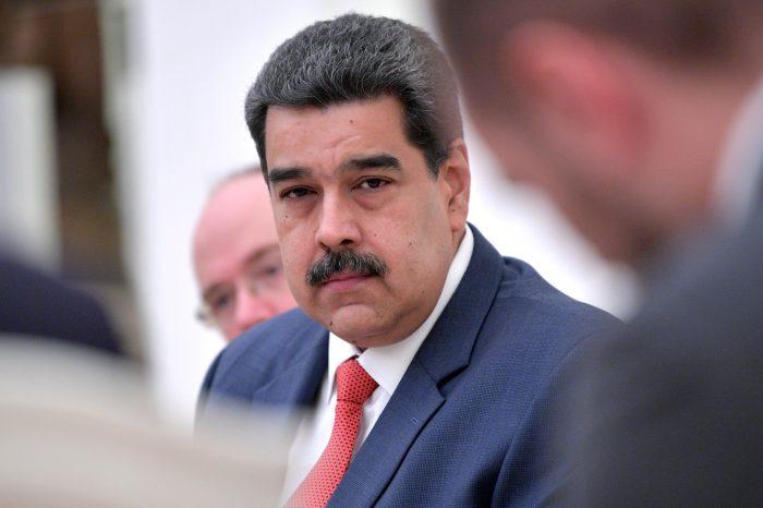 """Maduro usará su parlamento ilegal para hacer """"juicios públicos"""" a opositores"""