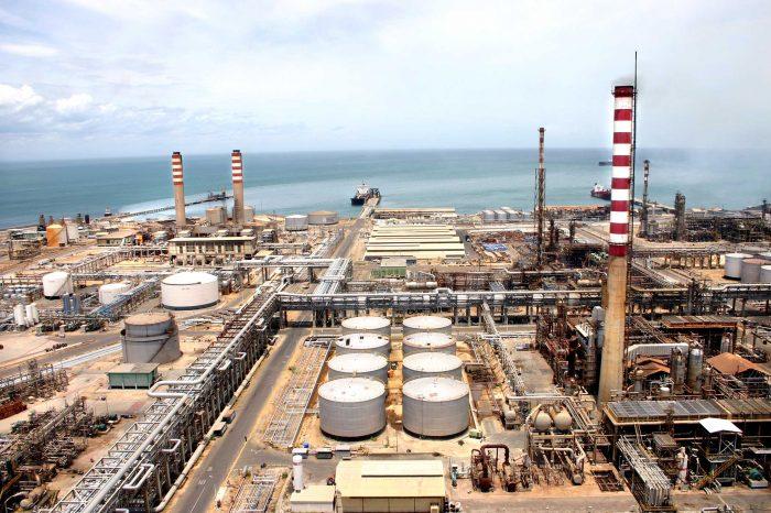 Con una sola refinería funcionando PDVSA no puede abastecer a Venezuela de gasolina