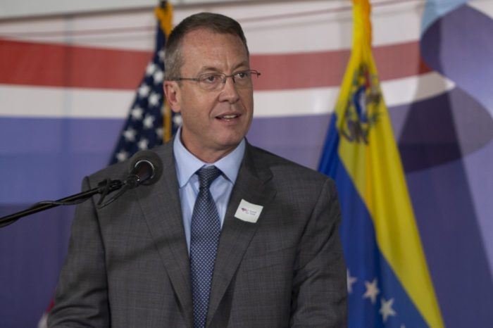 Embajador Story explica lo que se ganará con la consulta popular promovida por Guaidó