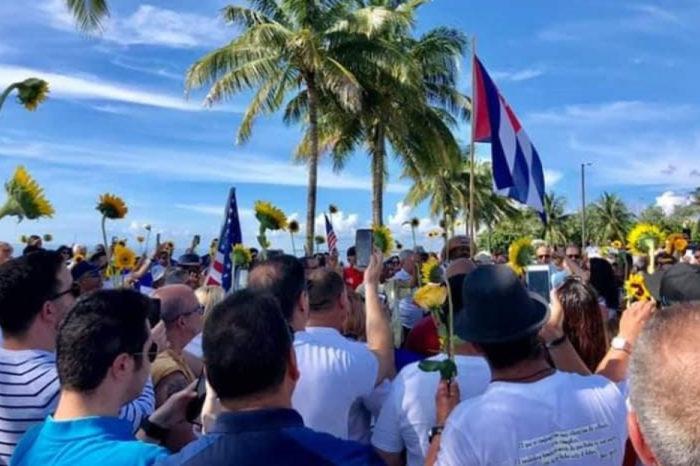 Numerosos opositores arrestados en Cuba por exhibir un girasol como signo de descontento