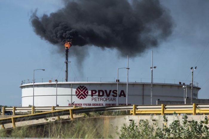 Sólo las mafias producen gasolina en PDVSA