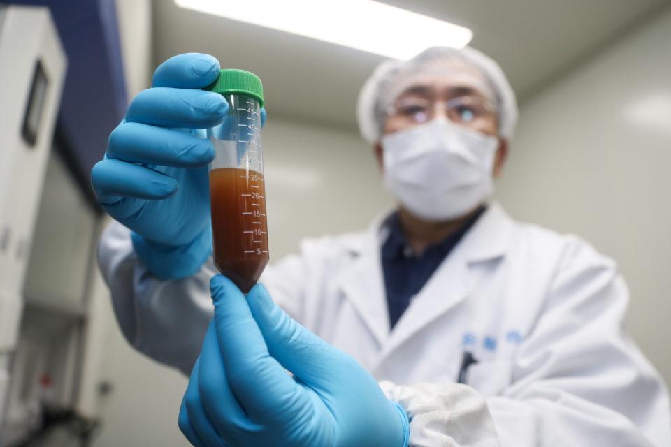 nueva cepa del coronavirus favorece a vacunas chinas - primer informe