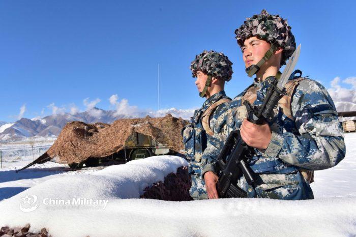 China instala botones de autodestrucción en sus soldados
