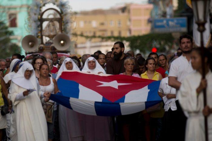 La incómoda carta de los sacerdotes católicos cubanos que desafía al régimen castrista