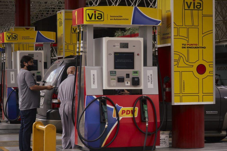 el-chavismo-se-rinde-y-acepta-que-no-puede-mantener-la-gasolina-subsidiada-en-venezuela_primer informe