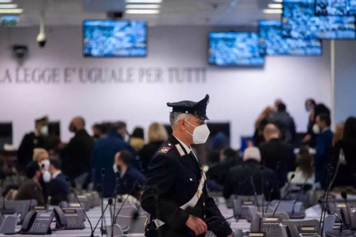 Un mega juicio pone en el banquillo de los acusados a los líderes de la mafia italiana