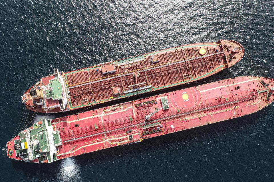 Industria naviera internacional busca frenar la ilegalidad de PDVSA