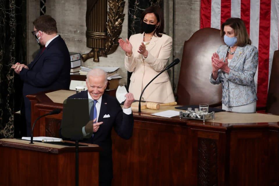 Las fallas del billonario plan de Biden para salvar a EEUU de la pandemia