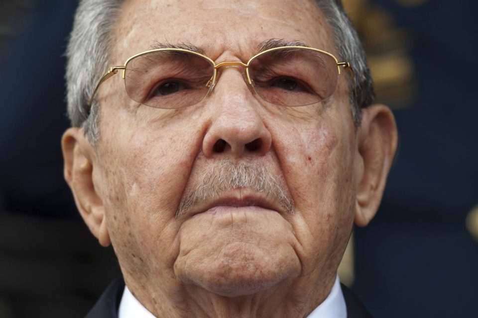 El caos cubano obliga a Raúl Castro a retirarse de la política