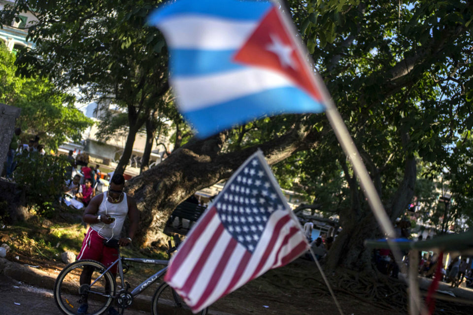 Castrismo quiere en la isla inversiones de los cubanos en EEUU - primer informe