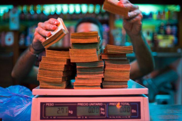 La nueva solución que el chavismo quiere dar a la hiperinflación en Venezuela