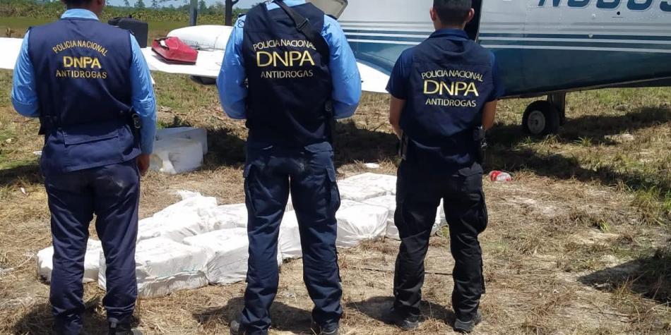 Capturan narcoavioneta con cocaína procedente de Venezuela - Primer Informe