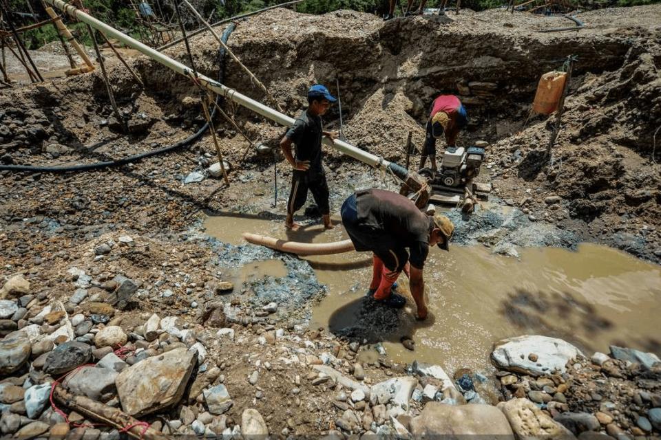 Otra organización criminal se enriquece con el oro de sangre venezolano