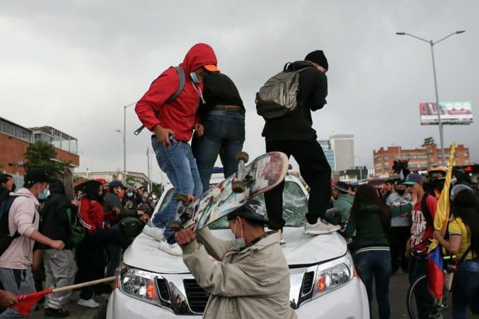 denuncian-que-el-regimen-de-maduro-interviene-en-las-protestas-de-colombia - primer informe