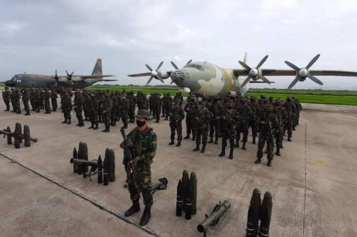 Maduro ordena nuevo despliegue de tropas en la frontera con Colombia