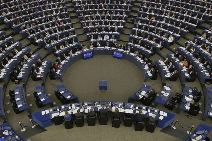 Parlamento Europeo condena el capitalismo esclavista, la tortura y la represión del régimen cubano
