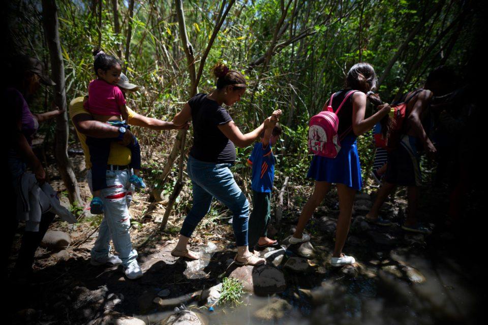 las-trochas-venezolanas-que-financian-al-narcoterrorismo-colombiano