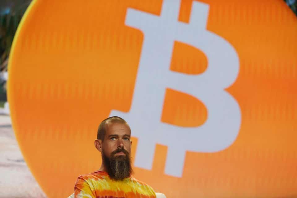 CEO de Twitter apuesta el futuro de su empresa al Bitcoin