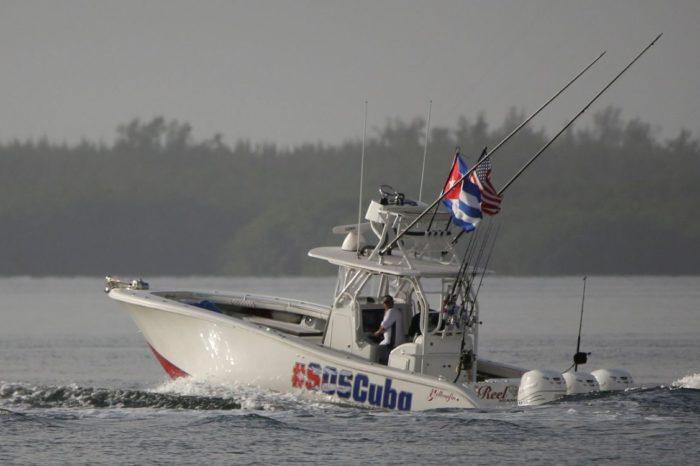 Así amenazó Cuba con hundir a la flotilla civil de exiliados que hizo un acto simbólico en apoyo a las protestas