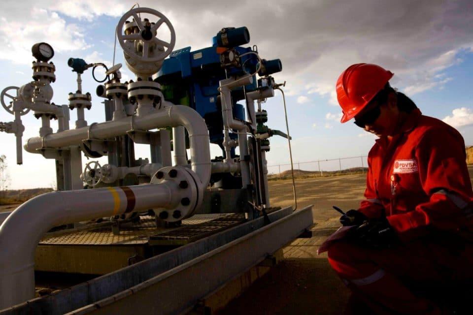 Producción de gasolina en Venezuela puede repuntar en julio