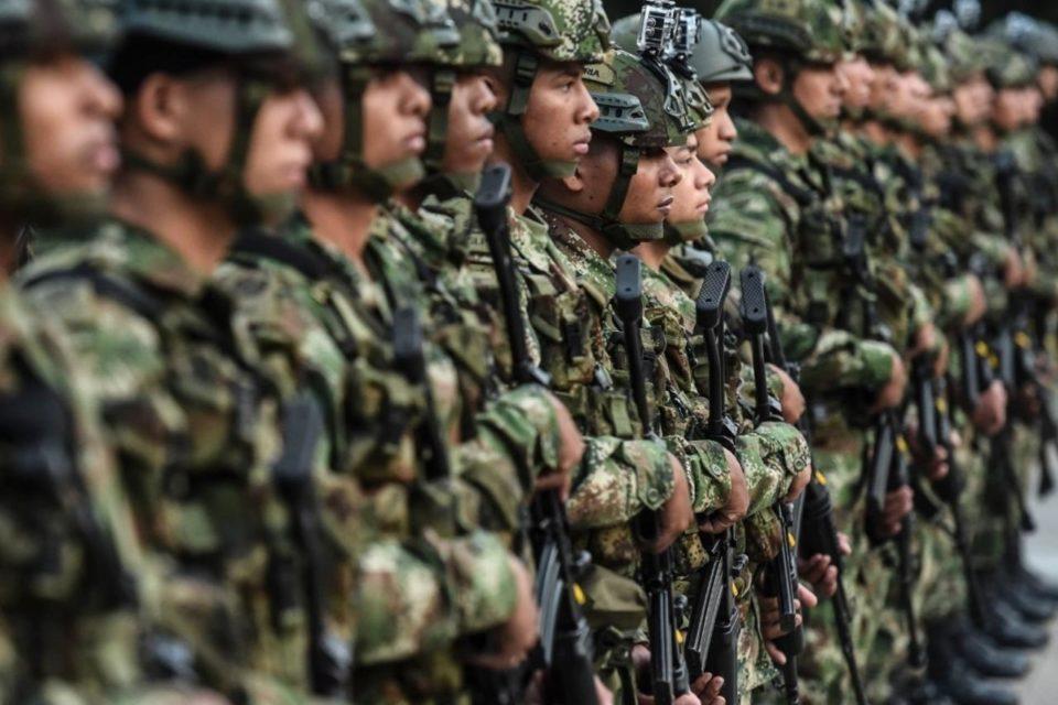 Colombia envía tropas a la frontera con Venezuela para luchar contra las disidencias de las FARC