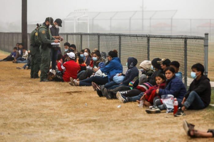 Crece iniciativa legislativa para prohibir la inmigración a EEUU durante 10 años