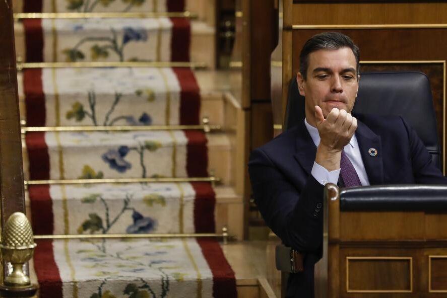 nueva-ley-en-espana-acerca-a-sanchez-a-las-politicas-de-maduro