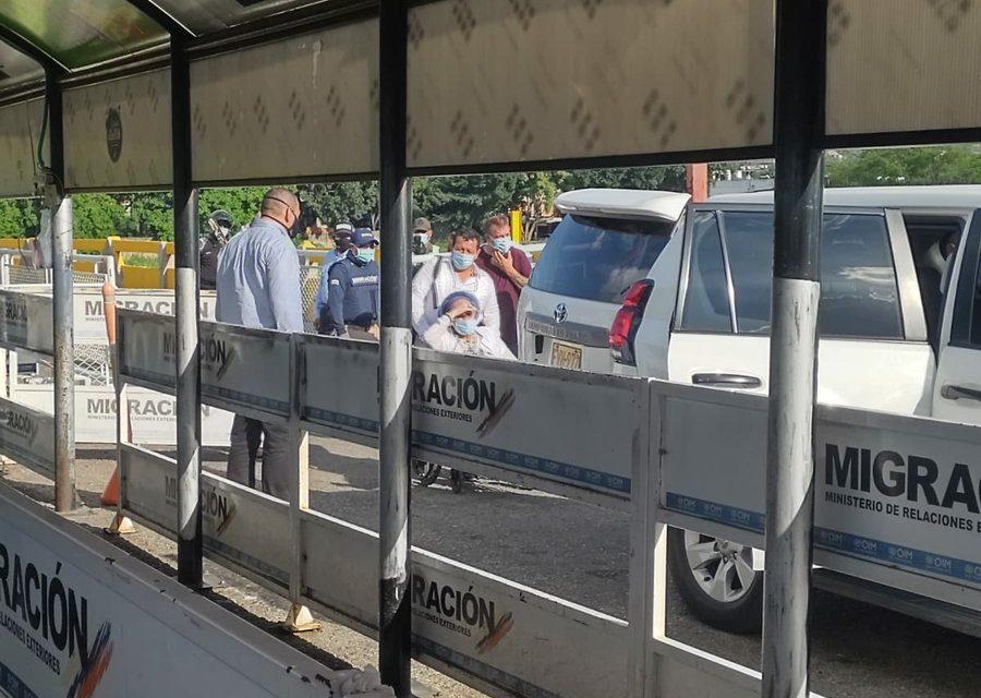 Piedad Córdoba es captada en video cruzando ilegalmente la frontera