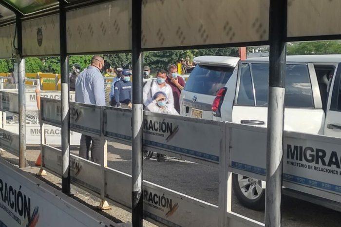 #VIDEO: El cruce fronterizo ilegal de Piedad Córdoba desde Venezuela