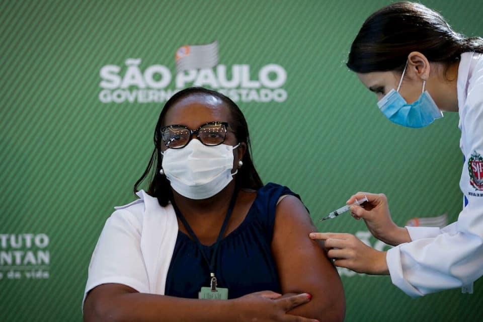 brasil-suspende-12-millones-de-dosis-de-la-vacuna-china-sinovac