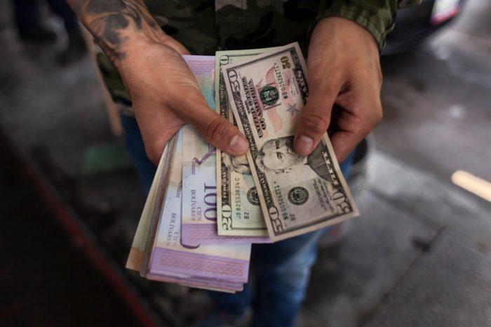 Quiebra de PDVSA obligó a dolarizar la economía venezolana