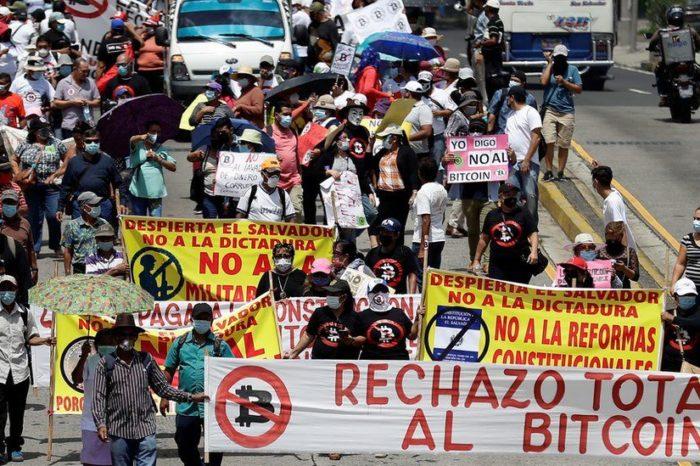 El bitcoin se estrella en su primer día en El Salvador