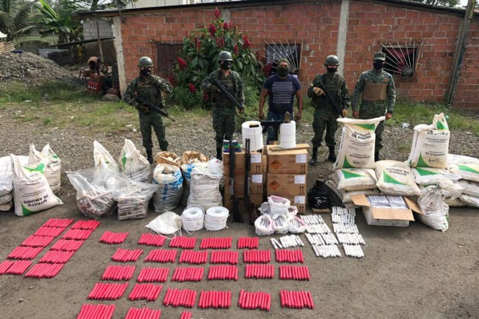 Explosivos de las FARC levantan alarmas en la frontera entre Colombia y Ecuador